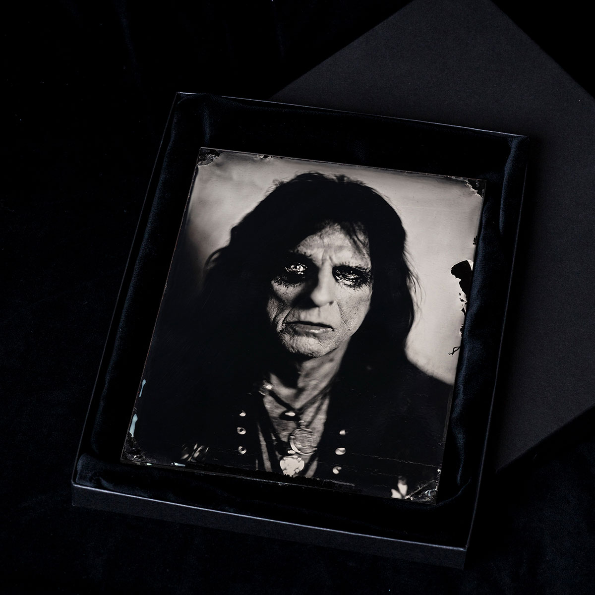 Alice-Cooper-Box