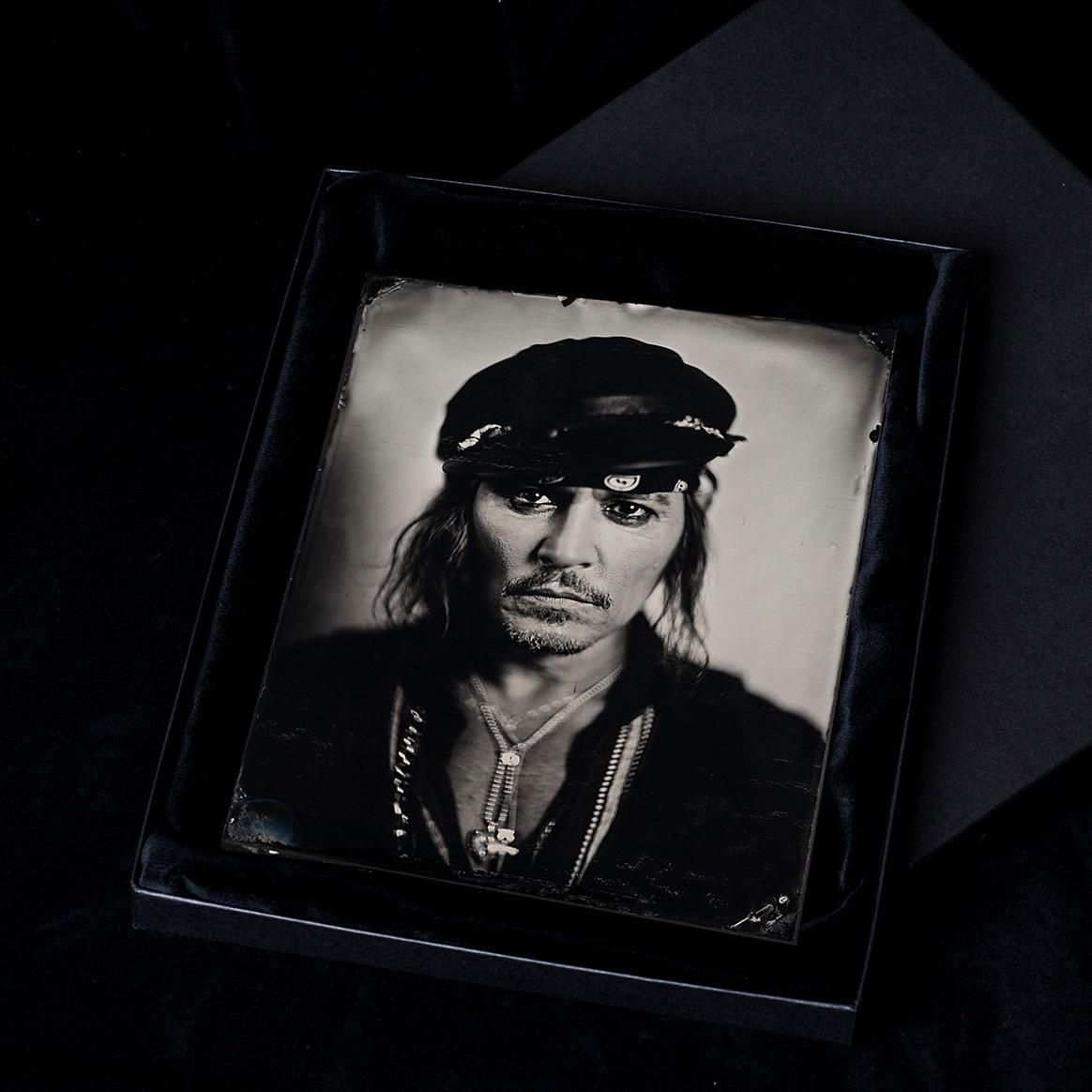 Johnny-Depp-Box